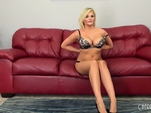 Voluptuous blonde has a hung stud eating out and drilling her snatch