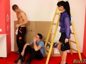 Ho gets oral from bi dude