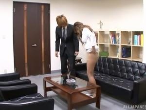 Nasty swallower Asada Yuki pleasuring a rod at the office