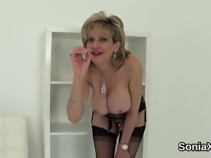 Cheating british milf lady sonia showcases her massive hoote