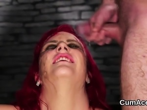 Slutty bombshell gets cumshot on her face sucking all the ch