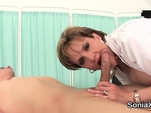 Unfaithful british mature lady sonia displays her enormous t