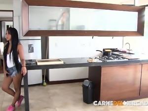 CARNE DEL MERCADO - Latina teen maid enjoys fuck and facial