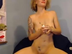 Sexy girl pee