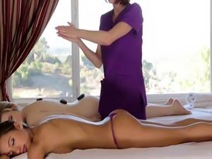 Beautiful les massaged