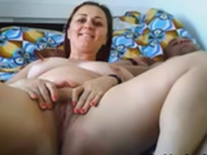 Horny Guy Enjoy Eating His Wife Pussy