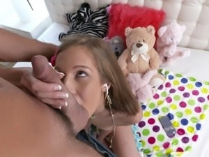 Adorable teen slut looks great while giving blowjobs & deepthroating