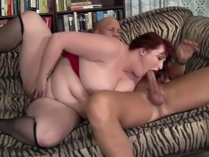 Eliza Allure is a chubby sex bomb who knows how to make a cock hard