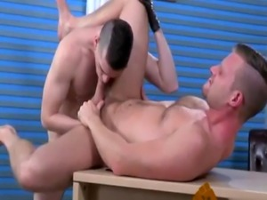 Gay for hand fisting porn movie Brian Bonds and Axel Abysse budge to t