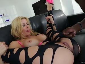 After topping massive black cock zealous blonde MILF wanna eat cum