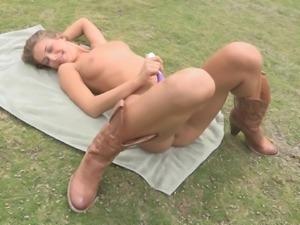 Glorious Presley Masturbates Outdoors In A Solo Model Clip
