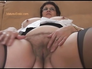 Busty Mature BBW showing off big hairy pussy