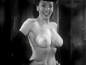 Gorgeous Stripper Gives a Hot Striptease (1950s Vintage)