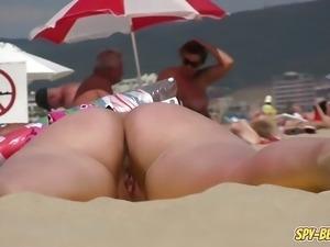 Real Amateur NUDIST Beach Close-Up Voyeur Beach Video