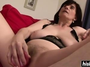 Mature Janicka enjoys herself before the BBC