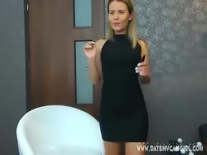 Young teen blonde camgirl MilliJ16 masturbating on cam