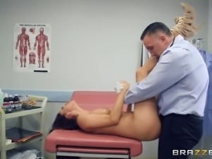 Brunette Kara Faux cannot resist a handsome doctor's penis