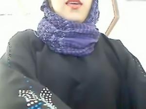 My super sexy wife in hijab masturbates her pussy