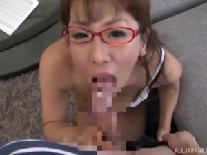 Nerdy Japanese babe Fujishita Rika gets her knees dirty for a blowjob