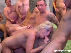 Sweet amateur blonde chick wants to make men's cocks stiff