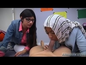 Amateur webcam mounted dildo BJ Lessons with Mia Khalifa