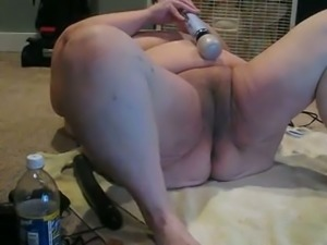 Huge grandma pleasing her pussy with big sex dildo