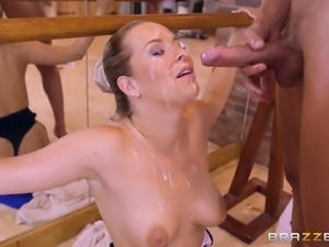 Nikky Dream performs a steamy cowgirl dick ride at a gym