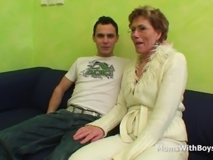 Slim granny with glasses gets her old but still sweet pussy hammered by a...