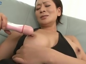 Kinky masturbating Japanese Rei Kitajima switches to blowing two dicks
