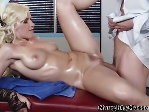 Beautiful blonde  pussy fucked by masseuse