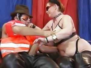 Mature couple try out anal sex .mp4
