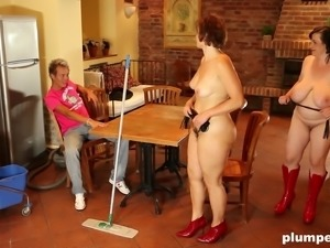 Mature fatties with hairy pussies sgare a well-hung gentleman