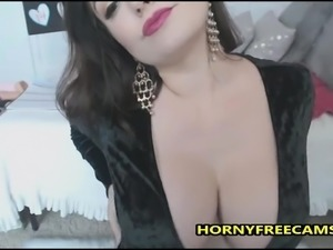 USA Beauty Fleshing Big Tits And Presenting BJ Skills