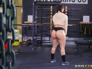 Mandy Muse is a chick with a big booty in need of a big boner