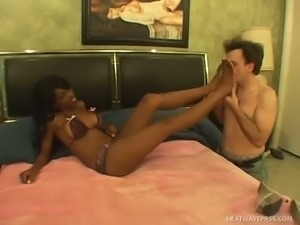 White dude gets such a nice and splendid footjob from kinky Chyna