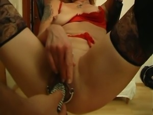 Lewd amateur cam bitch exposed me her stretched cunt with passion