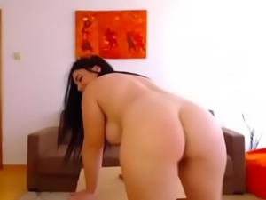 Chubby thick live girl free porn webcam = watchfreewebcam.com