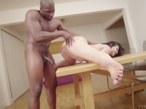 mandy muse gets her asshole penetrated on the table