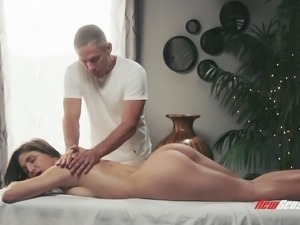 Abella Danger's amazing body is all a fellow wants to massage