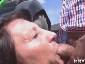 Mature wrinkled ugly whore does her best while sucking stiff cock