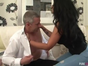 Fantastic British big breasted brunette Brooklyn Blue rides strong cock