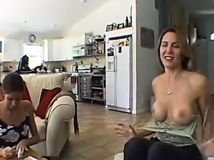 Homemade Amateur FFM threesome with cumshot