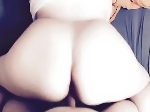 footballer tapping her phat ass, pawg