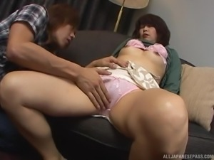 Mature Japanese woman offers her body to a stud
