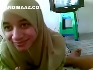 Hijabi Arab Teen Hoot sucking n licking She Doing with full of LOve