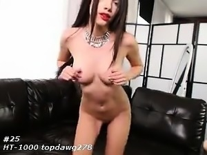 Amateur preggo hoe toys her pussy close up in fetish solo