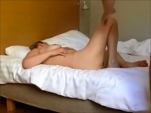 Stacked amateur wife gets pumped full of dick on the bed