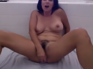 That's an amazing hot webcam model and I love dirty mouth on her
