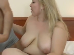 This BBW slut has a nice big fat fucking ass and she knows how to give a BJ
