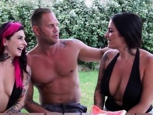 Threesome loving emos sharing one dick